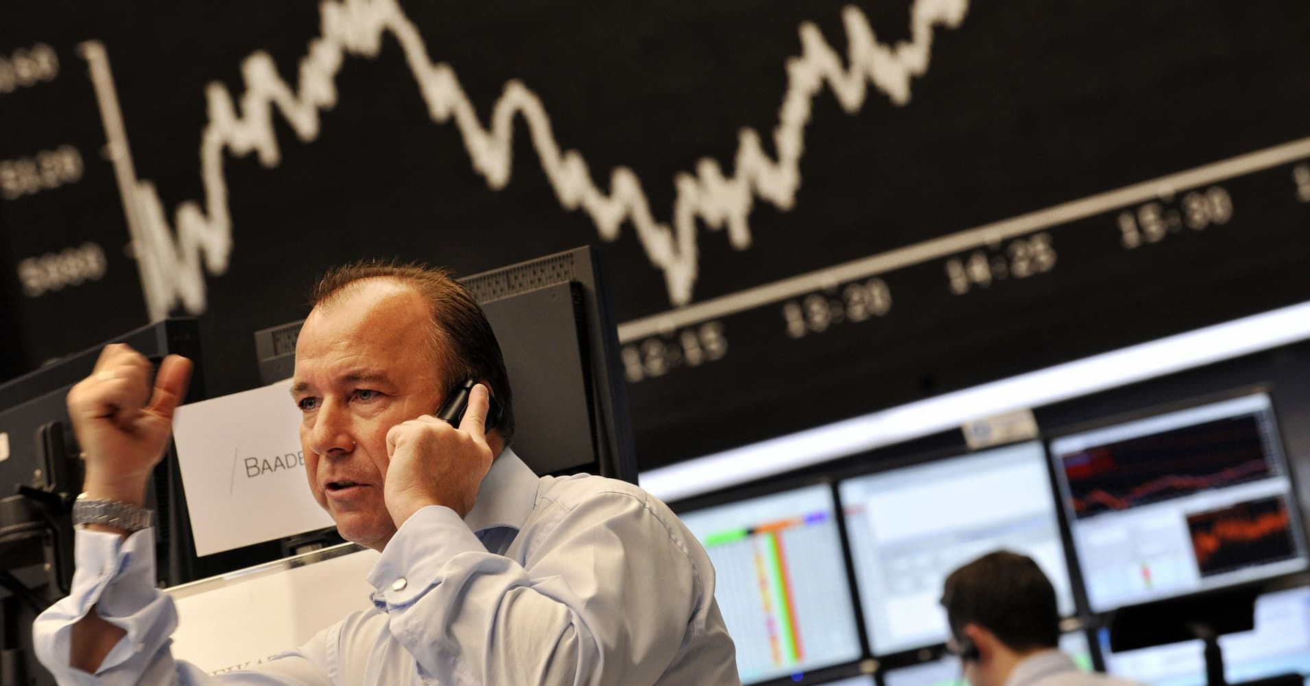 European stocks edge higher despite US-China trade fears; Ericsson up 3%