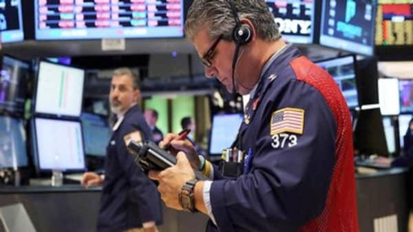 US stocks poised to extend gains