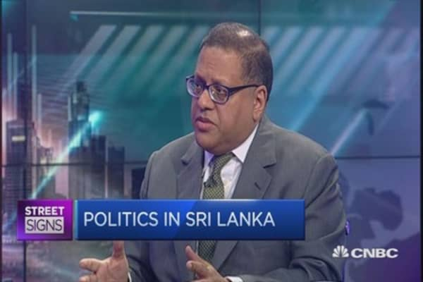 Sri Lanka looks to liberate currency market