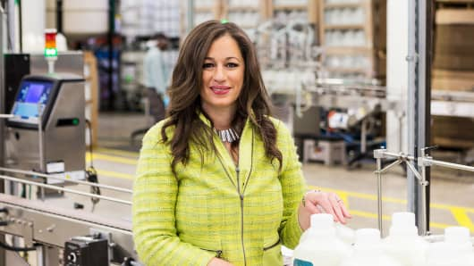 Kelly Vlahakis-Hanks, Earth Friendly Products CEO