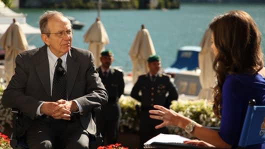 Italian Finance Minister Pier Carlo Padoan speaks to CNBC's Julia Chatterley on the sidelines of the European House-Ambrosetti Forum.