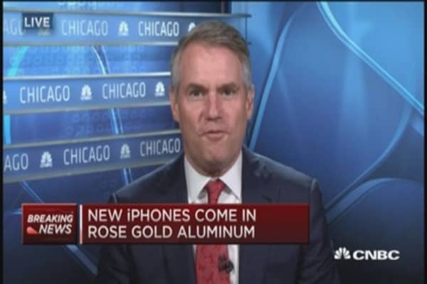 Apple introduces iPhone 6s and 6s Plus
