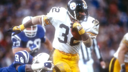 Franco Harris of the Pittsburgh Steelers against the Baltimore Colts, in November 1983.