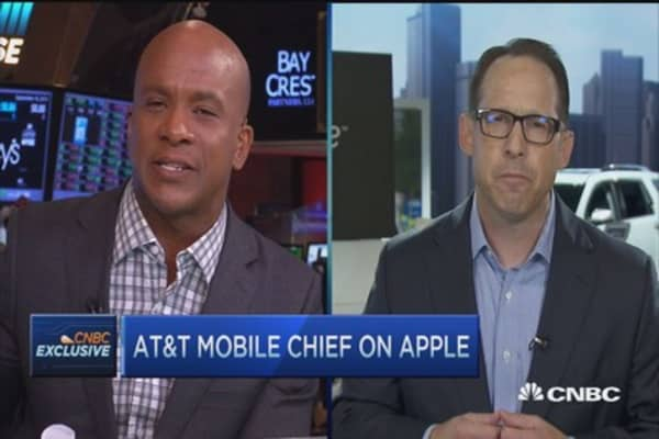 AT&T: Apple carrier change not a big deal