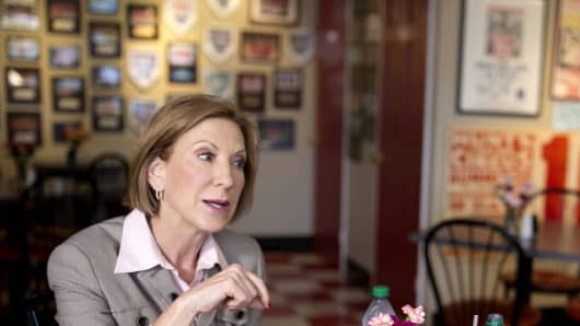 Carly Fiorina speaks with CNBC's John Harwood at Arnie's Place in Concord, N.H., on Sept. 13, 2015.