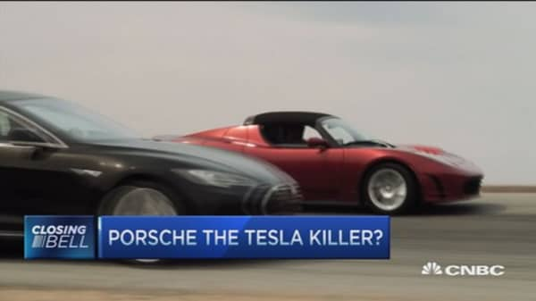 Who kills who? Porsche vs. Tesla