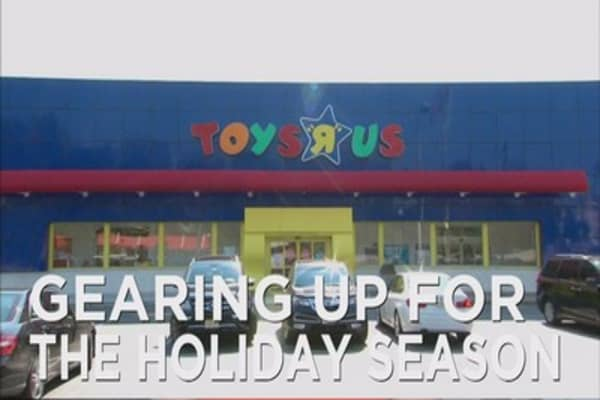 Toys-R-Us hiring less seasonal workers