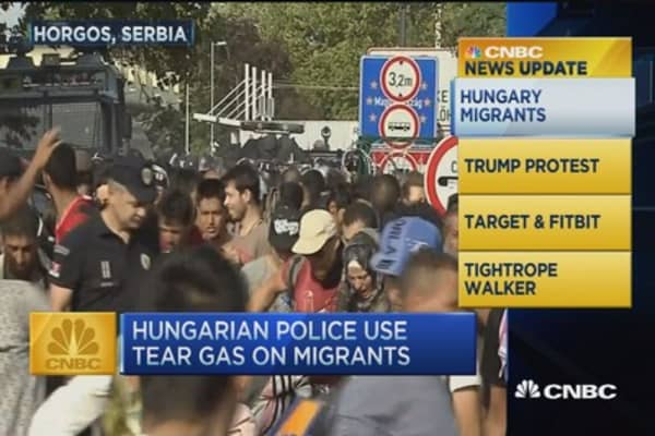 CNBC update: Hungarian police use tear gas on migrants