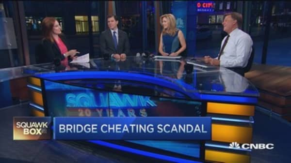 Bridge cheaters take center stage