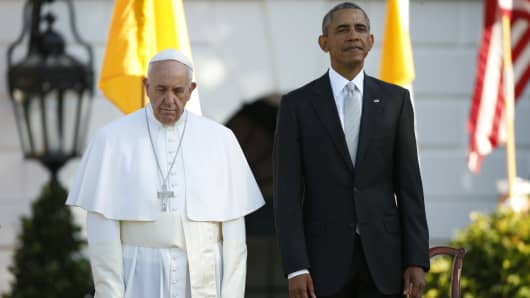 President Barack Obama welcomes Pope Francis to the Whitehouse on Sept. 23, 2015.