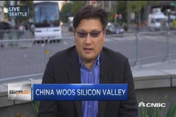 China woos Silicon Valley