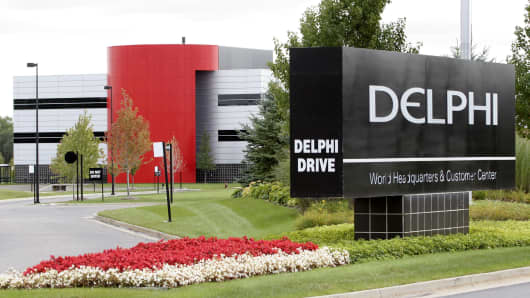 The world headquarters building of Delphi Automotive in Troy, Michigan.