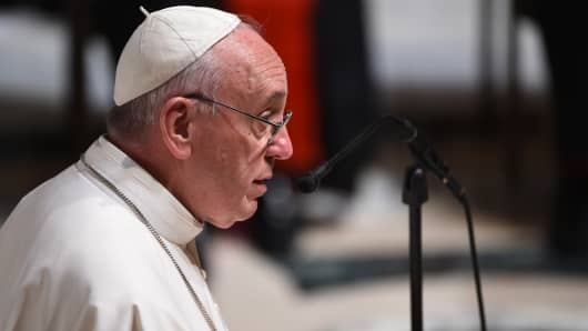 Pope Francis attends Midday Prayer of the Divine with more than 300 U.S. Bishops at the Cathedral of St. Matthew the Apostle on September 23, 2015 in Washington, DC.