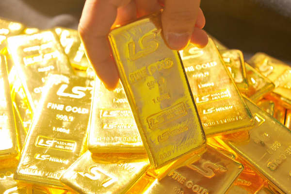 Pure 1,000-gram gold bars.