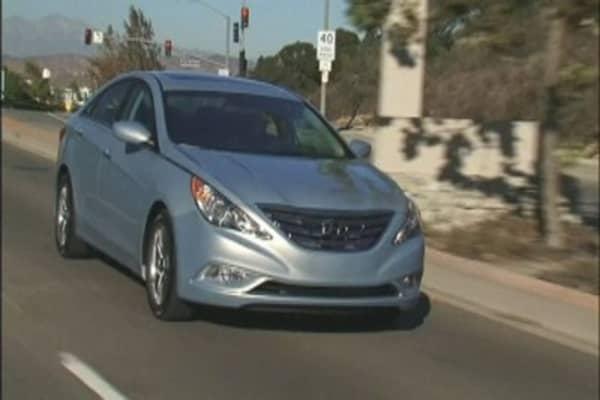 Hyundai recalls half a million Sonatas