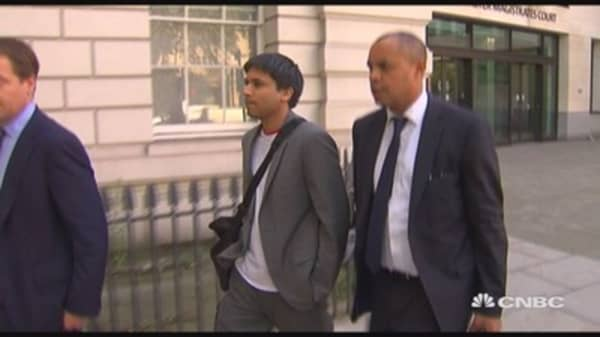 'Flash crash trader' extradition hearing put back to 2016