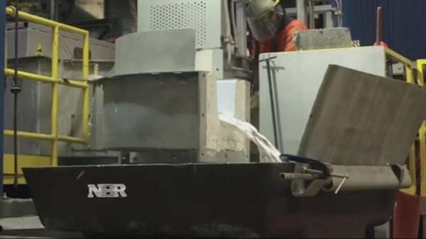Alcoa to split into two companies
