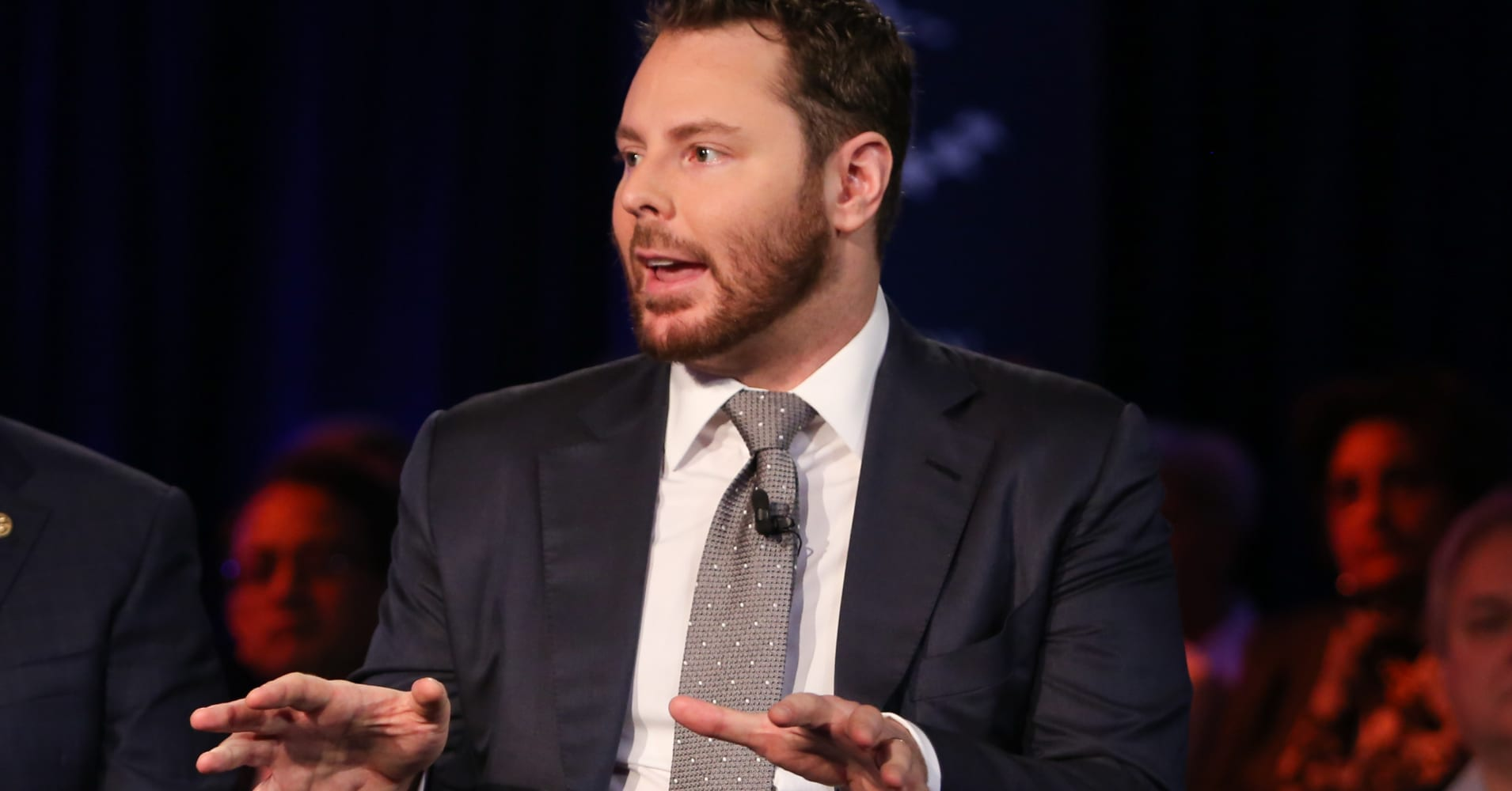 Facebook's Sean Parker says Amazon is not guaranteeing you any privacy