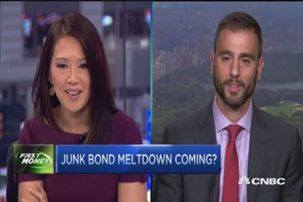 Junk bonds, slow moving train wreck: Pro