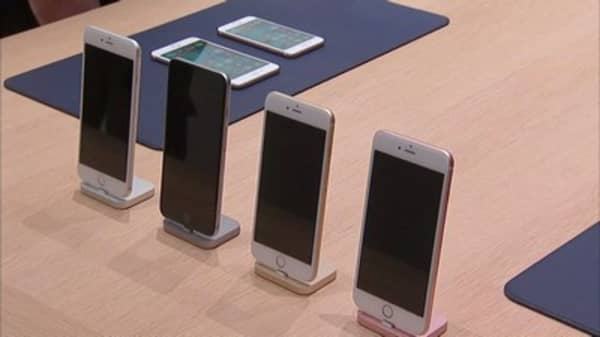 Apple sees huge profits from iPhones