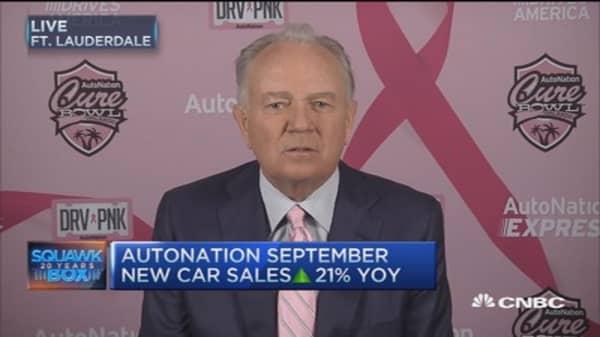 AutoNation kicks off Breast Cancer campaign
