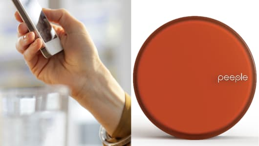There is a confusion emerging online between rating app, Peeple, vs. tech startup and its device, Peeple (right).