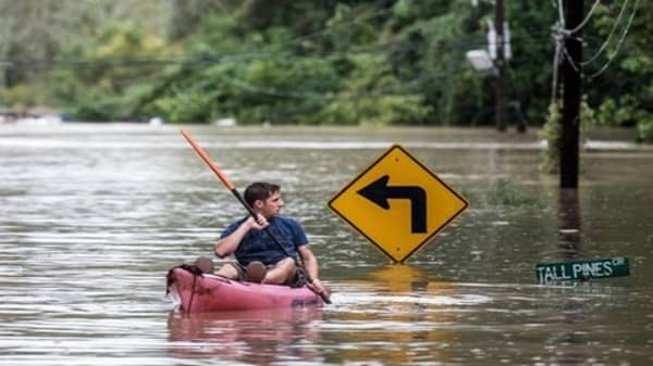 South Carolina hit by '1,000-year' floods
