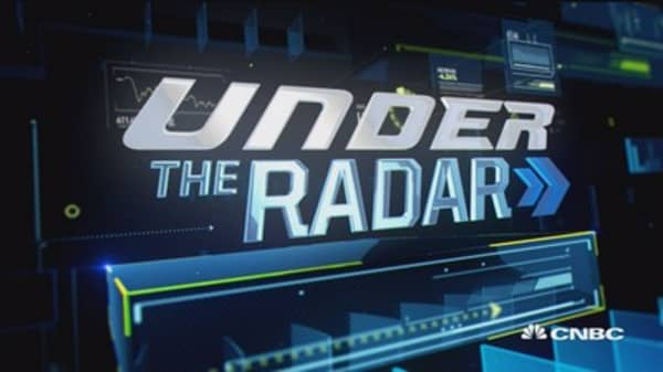 Under the radar: AAP, FSLR & more