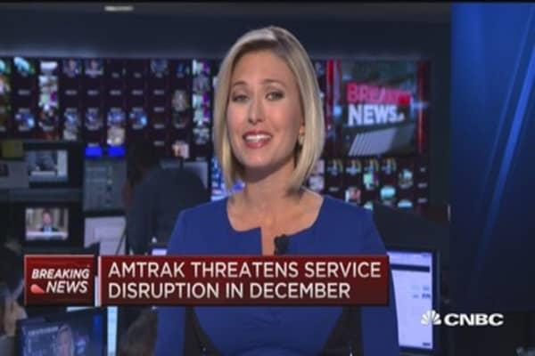 Amtrak threatens service disruption