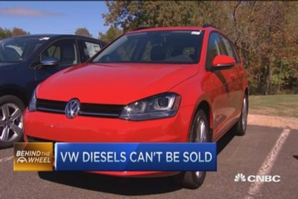 Vw Dealers Customers Feel Betrayed By Emissions Cheating