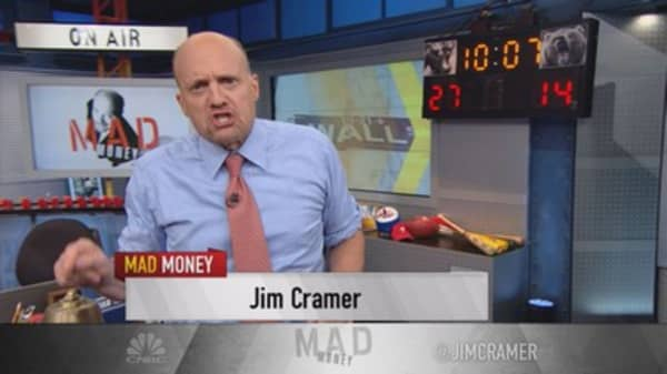 Cramer: Yum is just empty boxes of pizza & chicken