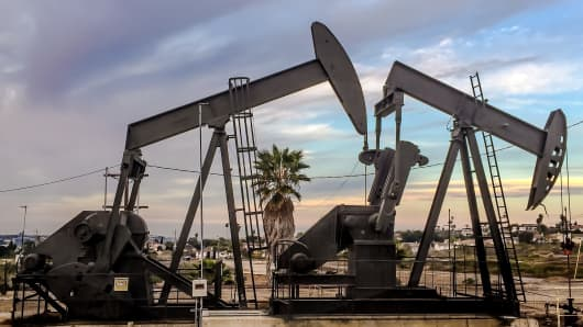 Oil rigs L.A.