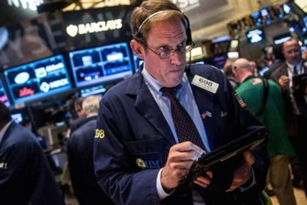 US stocks aim to add to winning streak