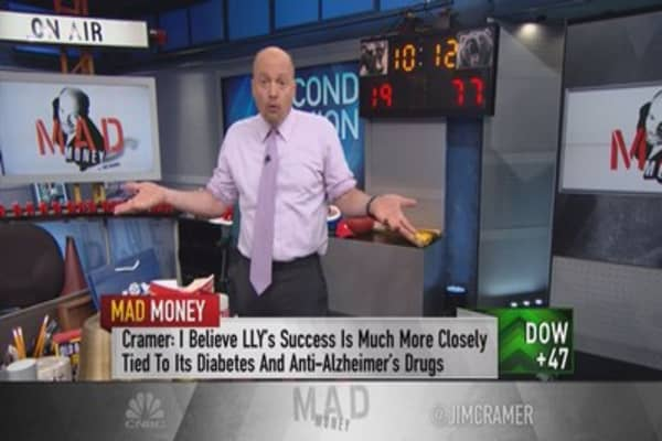 Cramer: Dumping this stock is a huge mistake