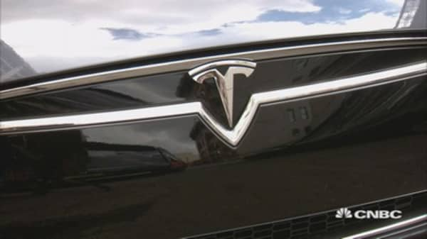 Tesla Autopilot: How it feels hands free