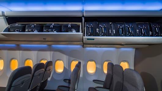Space bins Boeing