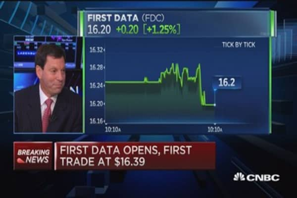 First Data CEO: We can organically deleverage by mid-2016