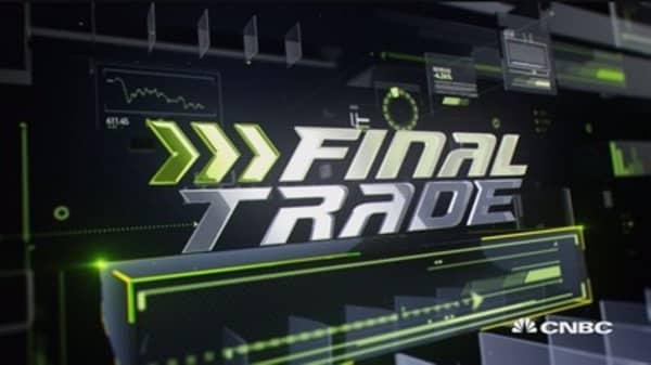 Fast Money Final Trade: YUM, SLV, VIX & GS