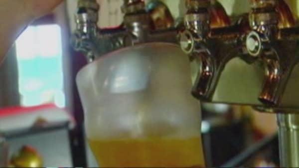 Binge drinking costing US economy