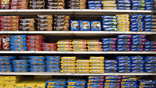 Mondelez International, Inc. cookie products including Oreo, Chips Ahoy, and Nilla brands sit on a supermarket shelf in Princeton, Illinois, U.S., on Wednesday, April 1, 2015