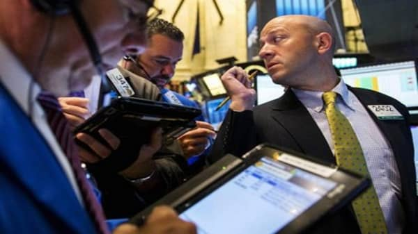 Investors cautious as earnings accelerate