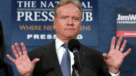 Former Senator Jim Webb speaks during a news conference in Washington October 20, 2015.  Webb said on Tuesday he will drop his long-shot bid for the 2016 Democratic presidential nomination and explore an independent run for the White House.
