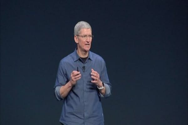 Apple CEO Tim Cooks takes steps against climate change