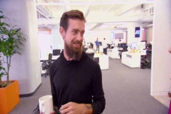 Twitter CEO gives stake to employees