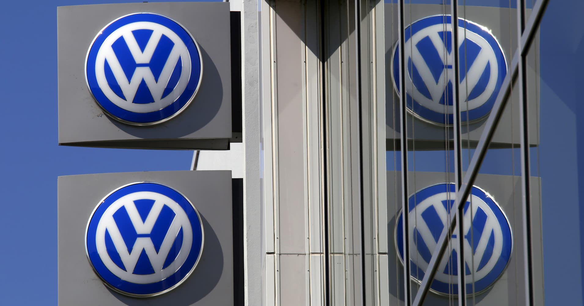 SEC alleges Volkswagen 'perpetrated a massive fraud' and repeatedly lied to US investors