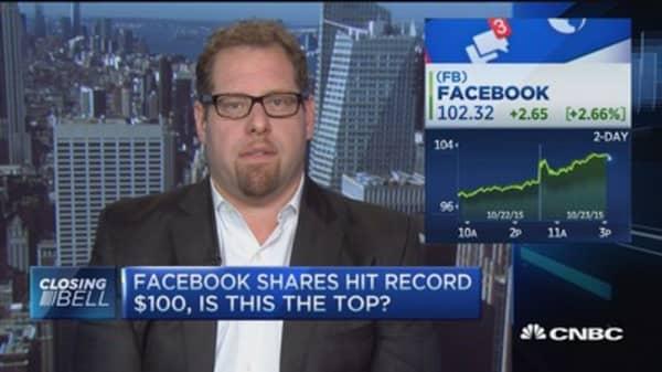 Facebook nearing a top: Pro