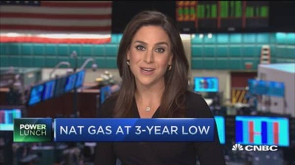 Nat gas takes a tumble