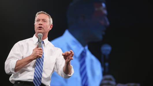 Democratic presidential candidate Martin O'Malley speaks to guests at the Jefferson-Jackson Dinner on October 24, 2015 in Des Moines, Iowa.