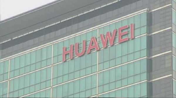 Huawei hires former apple director
