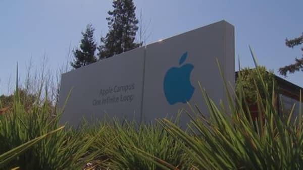 Apple's cash pile stacks 14k miles tall!